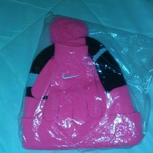 Nike hat and glove set
